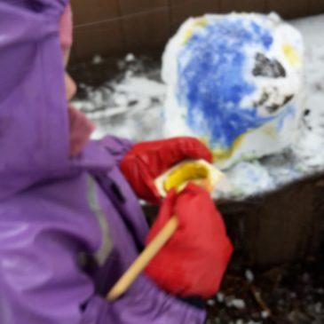 Eine Geschichte von buntem Schnee